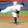 投手の投球障害予防(肩関節内旋筋群と肘関節屈曲筋群の強化は加速と減速をより適切に制御できるようになり、内側牽引(高力橈骨小頭接触)、および後部内側剪断(骨棘形成)を制御する)