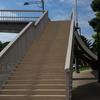 北の丸公園から皇居東御苑に抜ける横断歩道橋