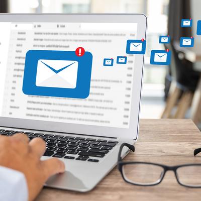 CCにより大量メールに追われてしまう! ビジネスメールの整理術&時短のコツをプロが解説!