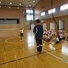 5年生:体育 ボールを二つ使って