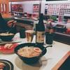 友人とまわるお寿司