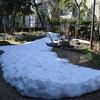 残り雪(雪彫刻)