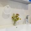 洗面台をすっきり、壁に取り付けるハンドソープディスペンサー