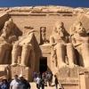エジプト 南部 ナセル湖畔 岩窟神殿「アブシンベル神殿」観光、 年代別4体のラムセス像の大神殿、愛されたネフェルタリの小神殿