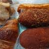 石川県能美市出口町にあるパン屋さん。ラ・パンセで、クロワッサン、カレーパン、ピロシキ、安納芋ドーナツ、ラスク。