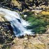 【滝】大峯不動滝。福島県郡山市。磐梯熱海の滝と遊歩道、足湯と温泉を散策しよう。散策の秋。