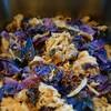 チキンと紫キャベツのクミン蒸し