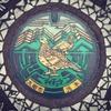 長野県大町市のマンホールの蓋には「雷鳥」が描かれているよ。
