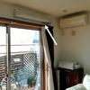 リビング内の部屋干しと洗濯ハンガーの収納