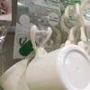 洗面所の歯磨きコップは下向き引っかけ収納で清潔に