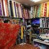 店のソファにかける客家花布を台南で買ってきた