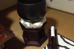 正宗仏壇専門店 法布堂(ほうふどう)さんから、鈴布団と鈴棒が届きました。
