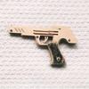 輪ゴム銃の連射仕掛けが学べるキット『木で作る本格派ゴム鉄砲』は大人も無邪気に楽しめる!