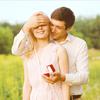 友達や周りの人が婚約指輪を付けているのを見て、羨ましく思った人の体験談