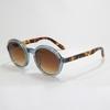 キュートで上品なサングラス。