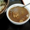 かけそば、春菊天、ちびカレー丼。藤沢「新月」