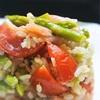 アスパラとトマト、生ハムのライスサラダ