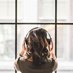 コロナ禍での話し方 その4—―リモート通訳での雑音対策【通訳者と声】