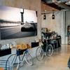 ファブリックパネルでおしゃれな部屋に。自分の好きなものの写真やイラストでコーディネイトできる壁掛けアートパネル。