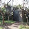 柔らかな石の中の柔和な巨大弥勒菩薩像 ~鷹取山公園摩崖仏~①