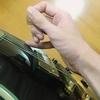 ギターのアルペジオを弾くときに右手を安定させる方法 - 手首の置き方