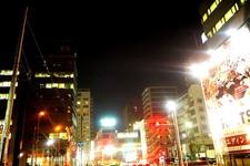 人生初のひとり暮らしはラブホ徒歩7分!? 28歳腐女子が語る「東新宿」【オタ女子街図鑑】