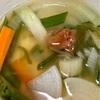 夜食は野菜のスープ