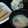 豚汁、ポテトサラダ、小魚揚げ