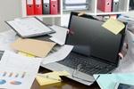 """「散らかりすぎの机」は脳に最悪。あなたが """"まず捨てるべき"""" 5つのもの"""