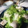 サラダチキンとブロッコリー・アボカド葉物サラダ