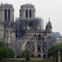ノートルダム大聖堂火災の後 寄付と再建方法で論争