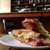 カトマンズのカフェ「ちくさ(CHIKUSA)」で食べて欲しいホットサンドとミルクティー