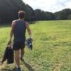 芝生の上を3時間走り続ける。