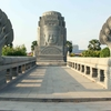 通称、日本橋の東のロータリー公園です。