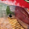 丸秀鮮魚店でイカの活け造り(福岡県・博多)