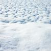 【雪えくぼ】春の予感?雪の晴れ間の美しさ!