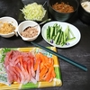 手巻き寿司、かぶの漬物、味噌汁