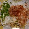 白玉葱のサラダ&デザート。セブンイレブンで晩ごはん。