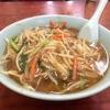 【今週のラーメン2153】 中華料理 日の出 (東京・大久保) もやしそば 〜店空間も味のうち!世代を超えた優しき中華そば