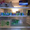 フィルムだらけの冷蔵庫