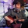 ギタリストのBrandon Coleman(Comins GCS-1ES)
