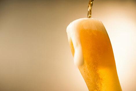 中程度の飲酒に不整脈のリスクあり、適度な飲酒は体に良いとの認識に警告
