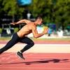 スプリントスピードとは(スプリントスピードは、床に対してより大きな筋力を生み出す能力と接地時間を最小限に留める能力(伸張-短縮サイクル)をうまく利用し、キネティックチェーンを通じてパワーを転移させる能力により支配されている)