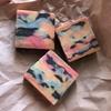 7色の迷彩模様の石けん(Bramble Berry® のBasic Quick Mix使用)