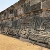 メキシコ 「ソチカルコ遺跡」観光 見応えのある彫刻 「ケツァルコアトル神殿」