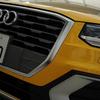 新型アウディQ2の内装カスタムパーツの紹介!スポーツアウトドアで使えるカーテンいらずプライバシーサンシェードで車中泊!