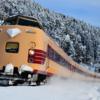 冬の鉄路をかけぬけて