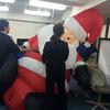 巨大サンタがやって来た!