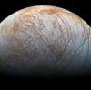 木星の衛星「エウロパ」から水が噴出