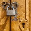 仮想通貨ウォレットは鍵をかけるだけでデジタルトークンはオープンデータベースのブロックチェーン上に存在